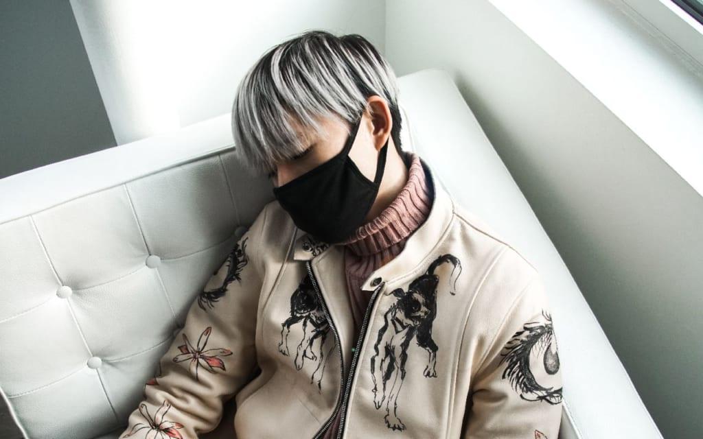 マスクに依存?